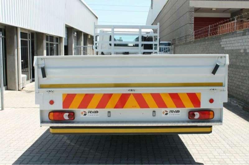 UD的下降方UD MKE 210 4x2与6.5米下降方车身卡车