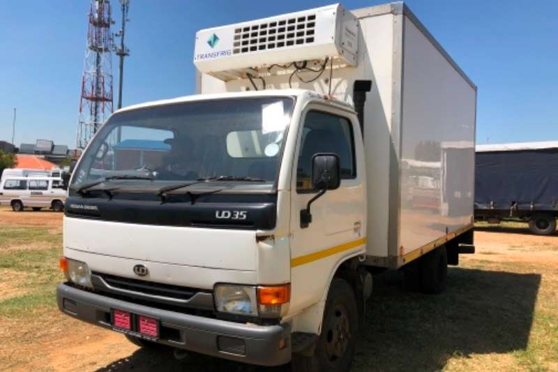 UD Truck Insulated Body UD 35 Insulated body TRUCK R139000 2008