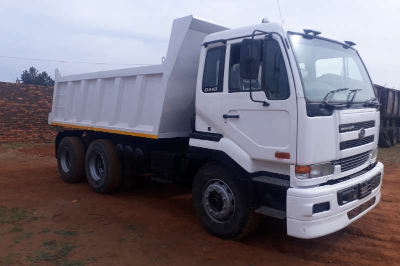 UD Tipper 10 CUBE UD 440 Truck
