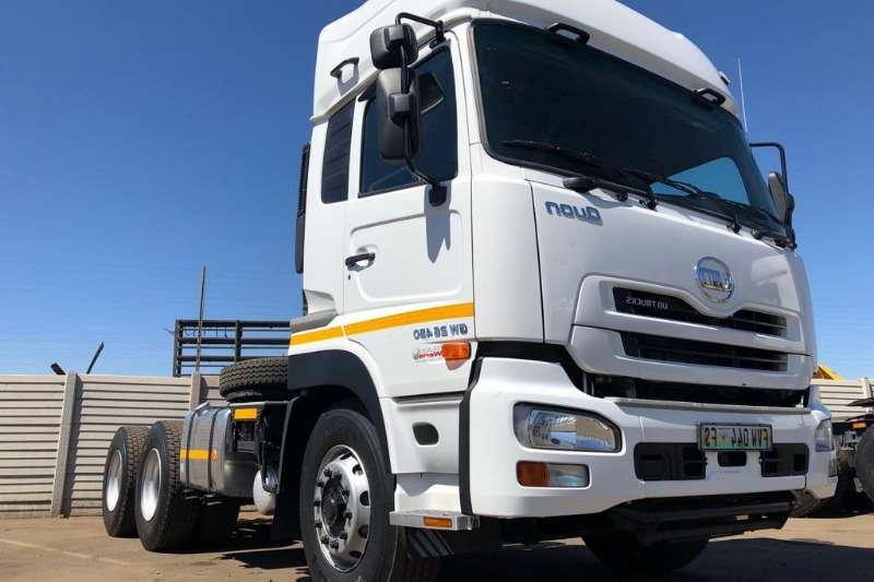 UD Double axle Nissan GW 26 450 Truck-Tractor