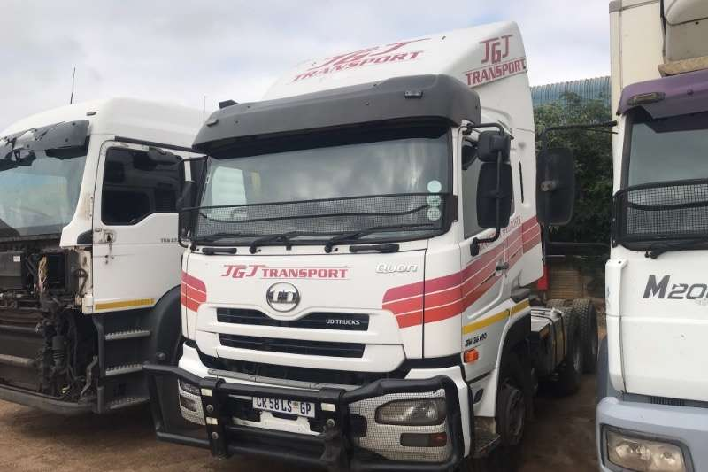 UD Truck-Tractor Double Axle QUON GW26-490 2014