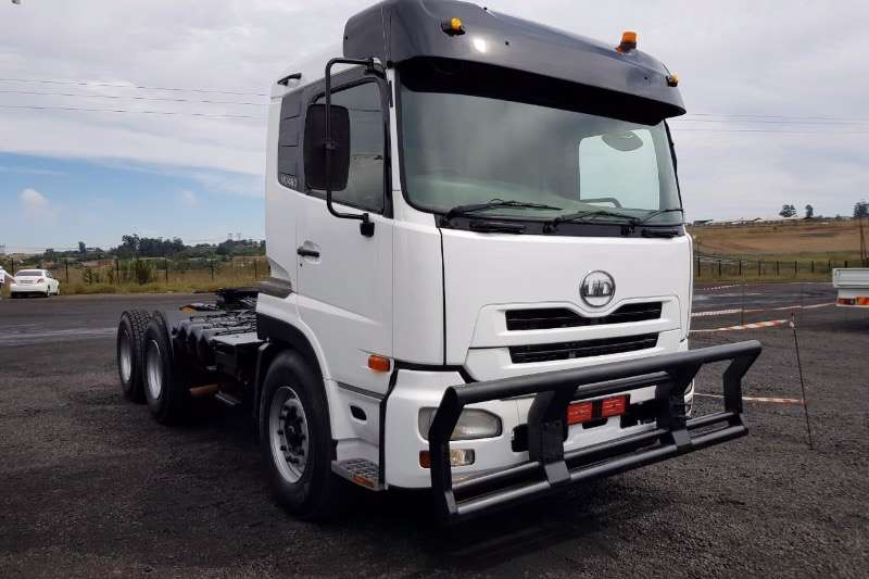 UD Double axle UD 460 Truck-Tractor