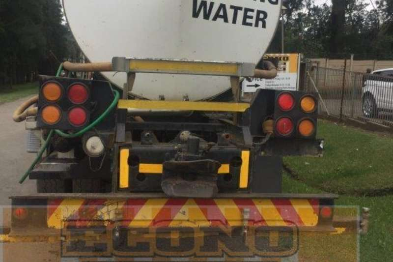 UD Water tanker UD440 Truck