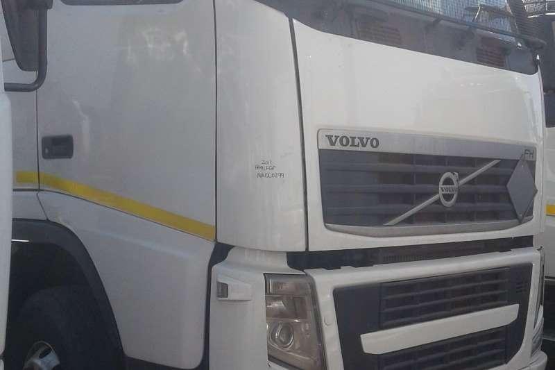 Volvo Double axle FH13 440 Truck-Tractor