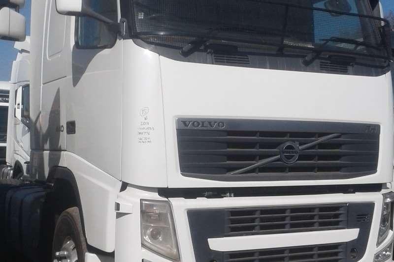 Volvo Double axle FH440 Sleep Truck-Tractor