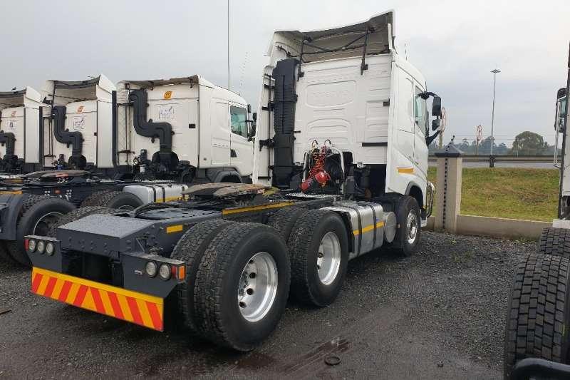 Volvo Double axle FH520 Truck-Tractor