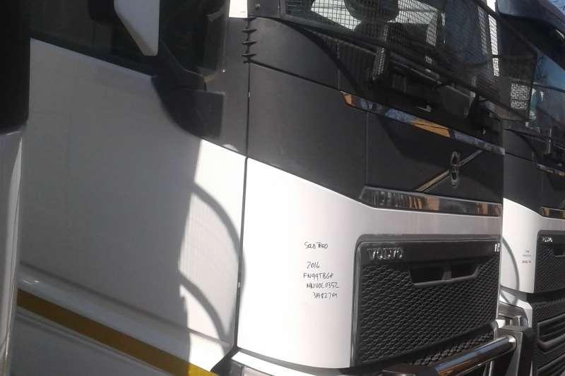 Volvo Double axle FMX 440 Truck-Tractor