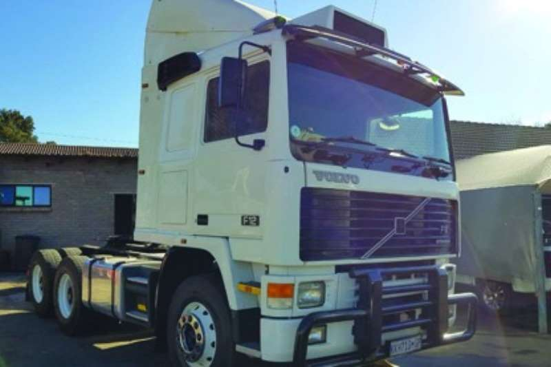 Volvo Double axle Volvo F12, Immaculate Condition Truck-Tractor