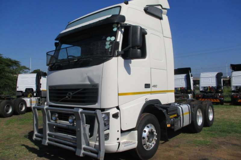 Volvo Truck-Tractor Double Axle VOLVO FH480 6X4 MECHANICAL HORSE