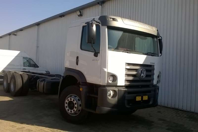 VW VW 24.250 Chassis Cab