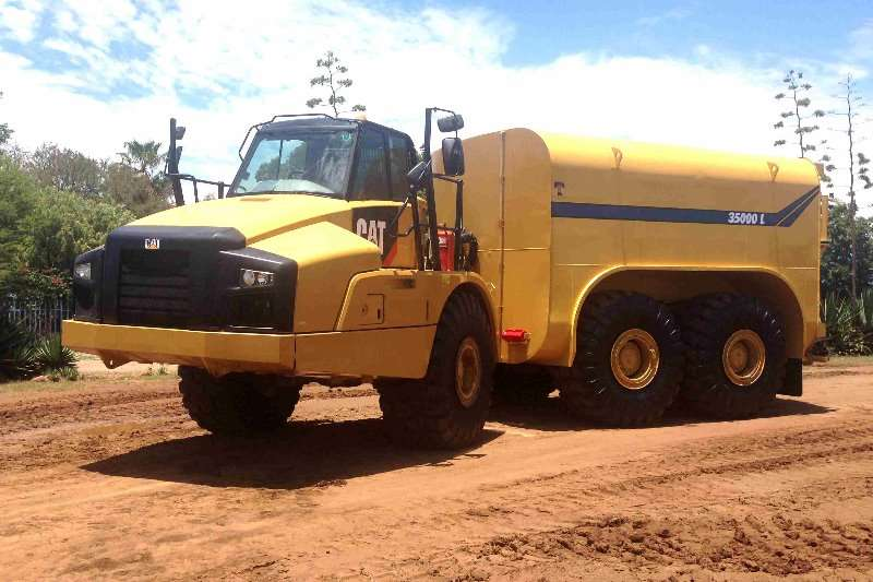 Various mining water tankers Water bowser